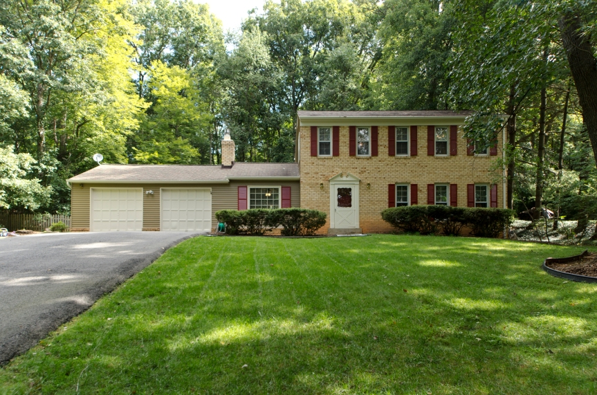 Oakton Home For Sale Half Acre Plus
