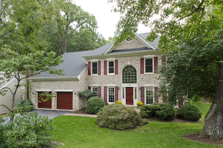 Colonial for sale in Vienna VA
