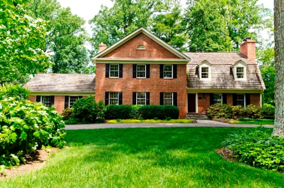Home For Sale in Summerwood McLean