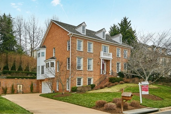 1644 Maddux Ln McLean VA 22101 - Listed by The Belt Team - Open Sunday April 10