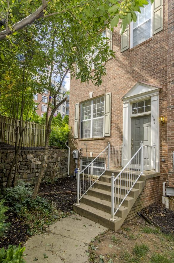 Townhomes for Sale in Alexandria